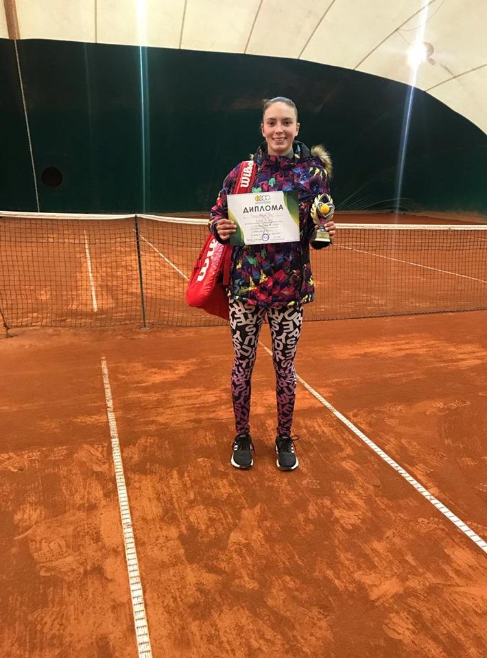 Vesa Gjinaj zene vendin e dyte ne Tennis Park, Shkup