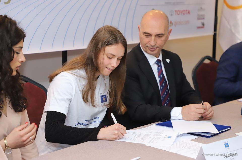 Vesa Gjinaj nenshkoi kontraten per burse olimpike